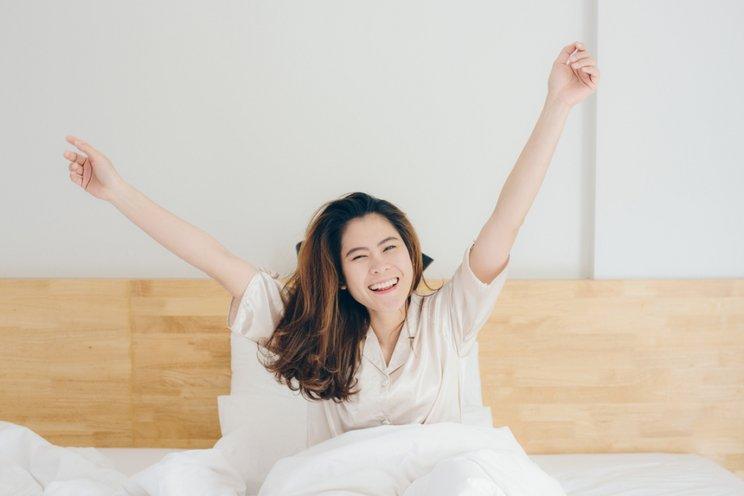 3 Cara Mudah Membuat Tubuh Kembali Segar Saat Bangun Tidur