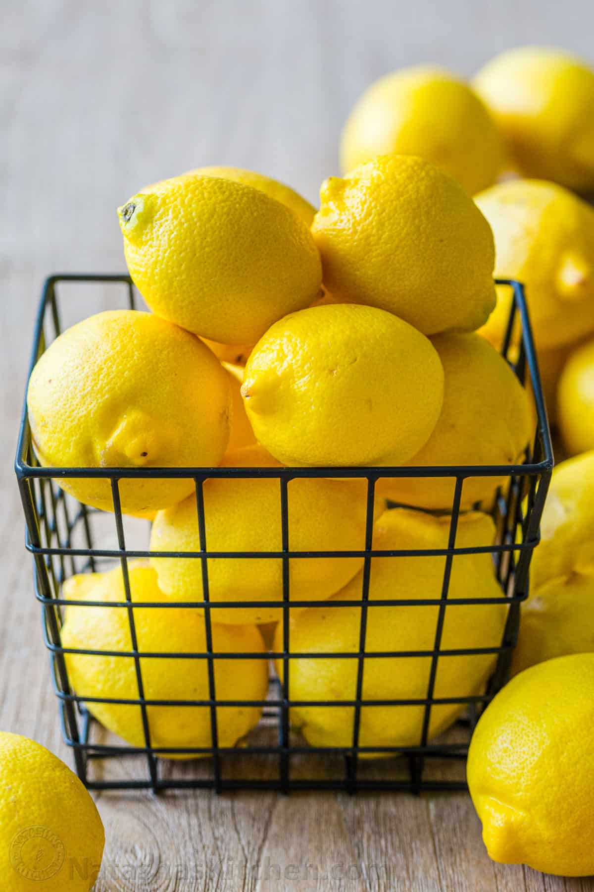 Manfaat Perasan Air Lemon Untuk Kesehatan Tubuh Dan Kulit